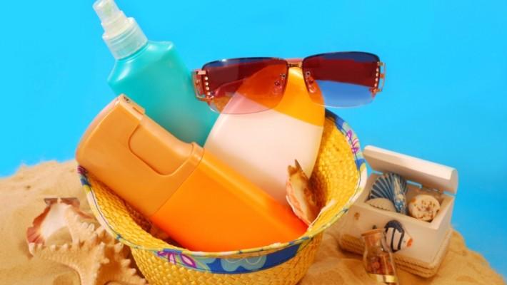 Geçen yaz aldığınız güneş koruyucu kreminizi bu yaz da kullanabilir misiniz? Her yıl yeni bir ürün mü almalısınız? Güneş koruyucu ürün beklediğinde etkisi azalır mı?